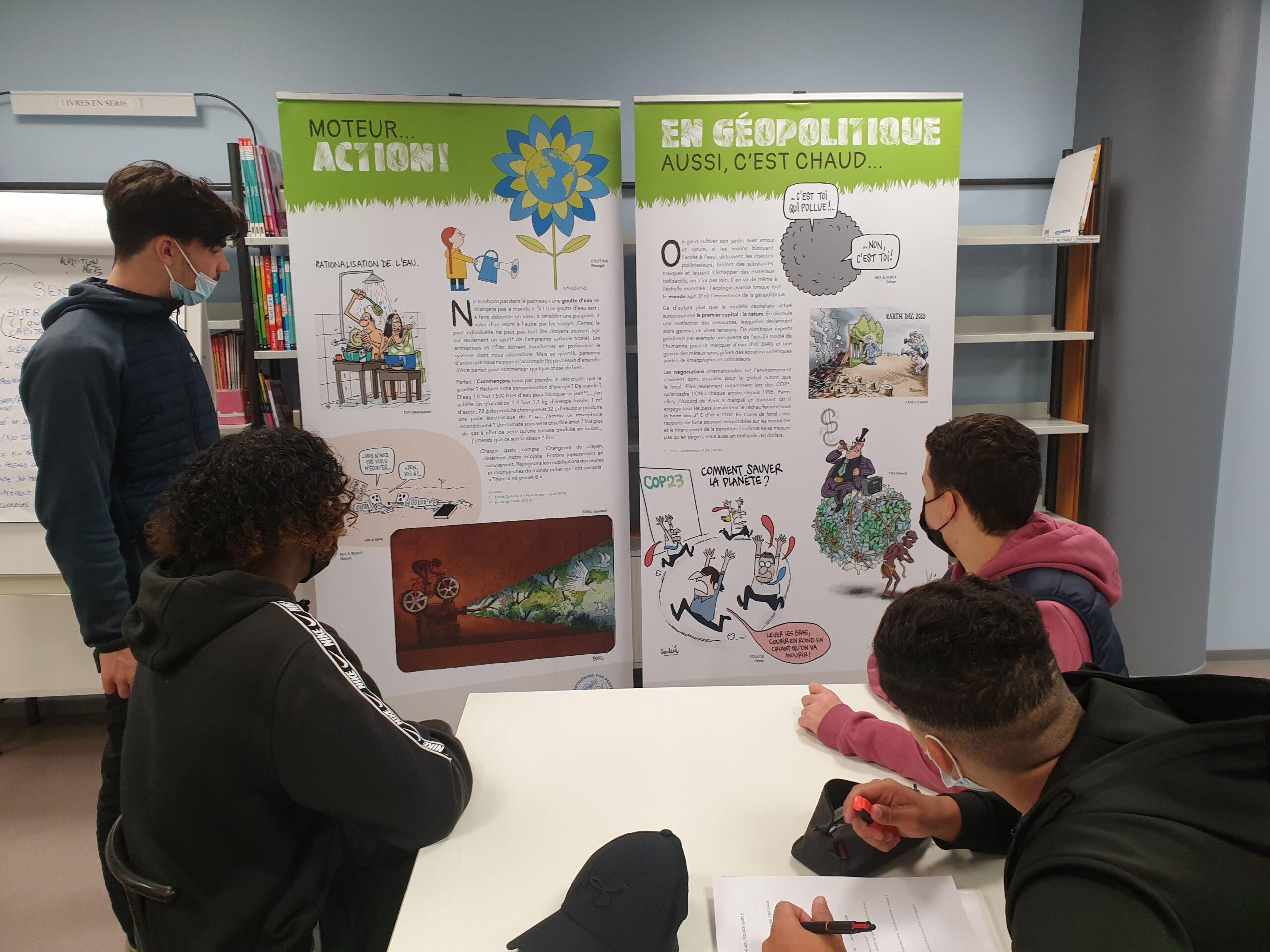 """Les élèves visitent l'exposition """"Dessine-moi l'écologie"""""""